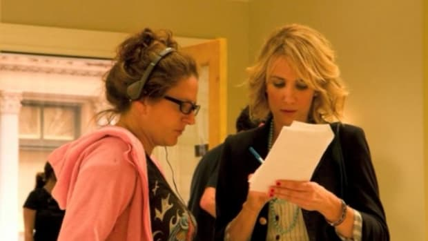 Screenwriter Annie Mumolo with actor and co-screenwriter Kristen Wiig on the set of Bridesmaids.