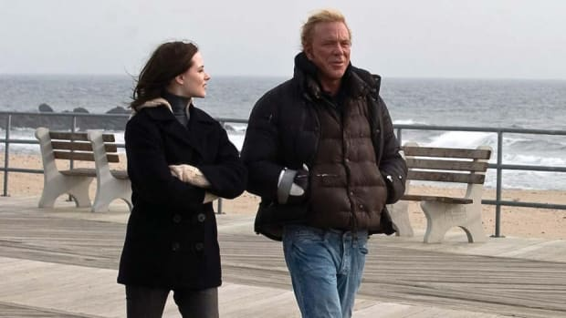Evan Rachel Wood and Mickey Rourke star in The Wrestler