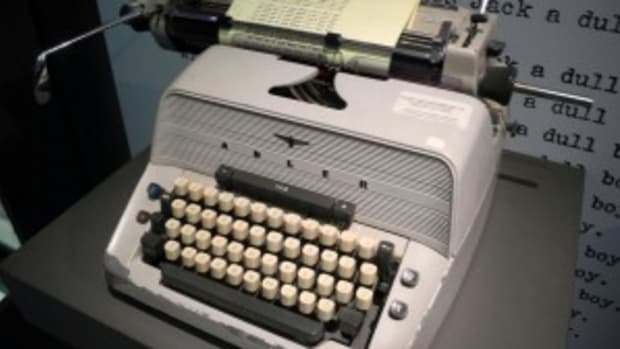 SCRIPT HACKS: How To Express A Script Theme In 3 Acts by Alex Bloom | Script Magazine #scriptchat #screenwriting