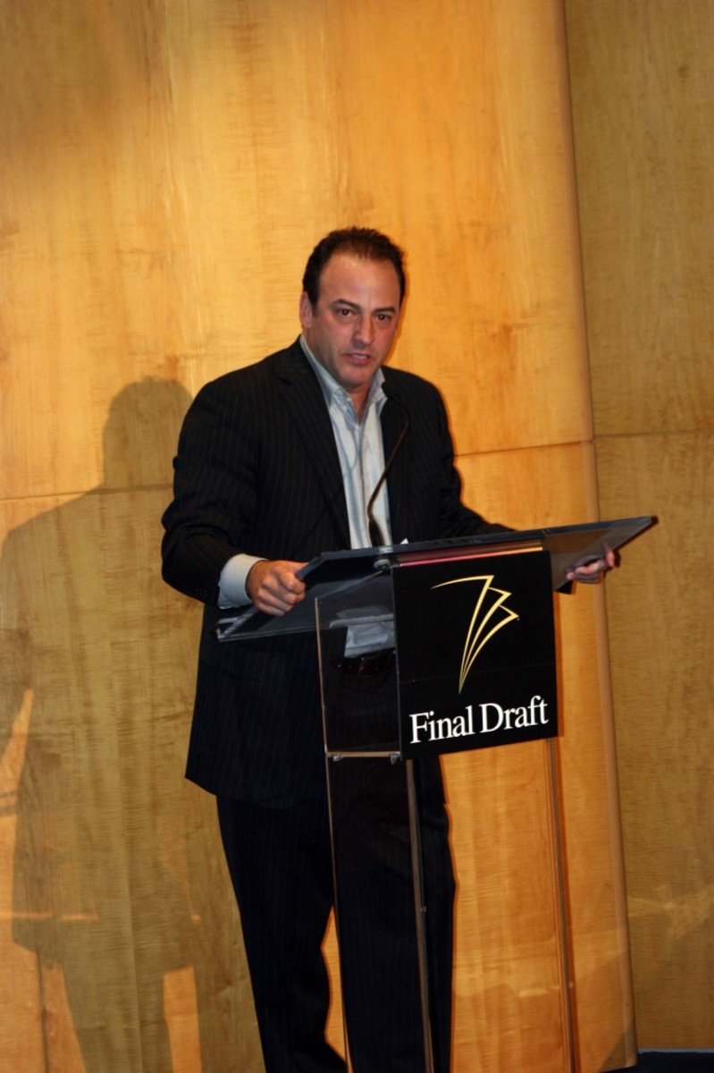 Final Draft, Inc. CEO and Co-Founder Marc Madnick introducing Hall of Fame recipient Aaron Sorkin.