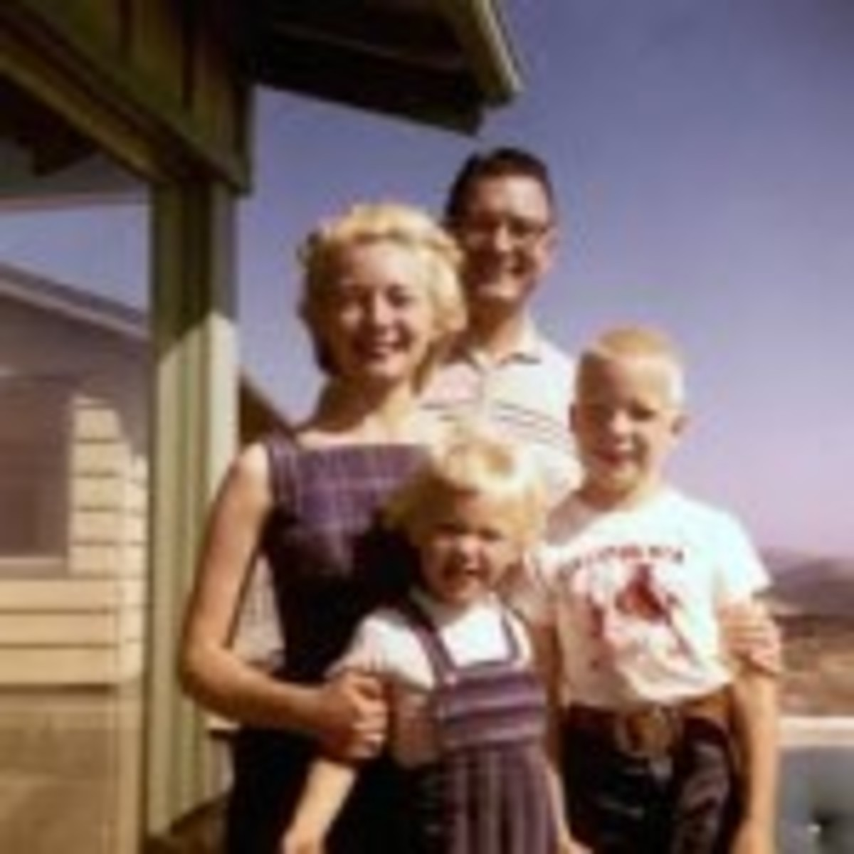 ScriptMag Col 11 - 50s Dad and family