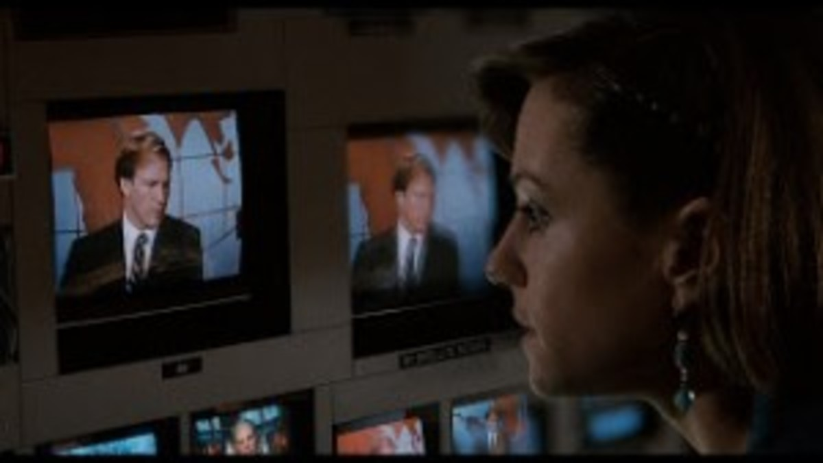 Jane Craig cannot help but be attracted to Tom Grunick, even though he is the antithesis of everything she believes in Broadcast News.