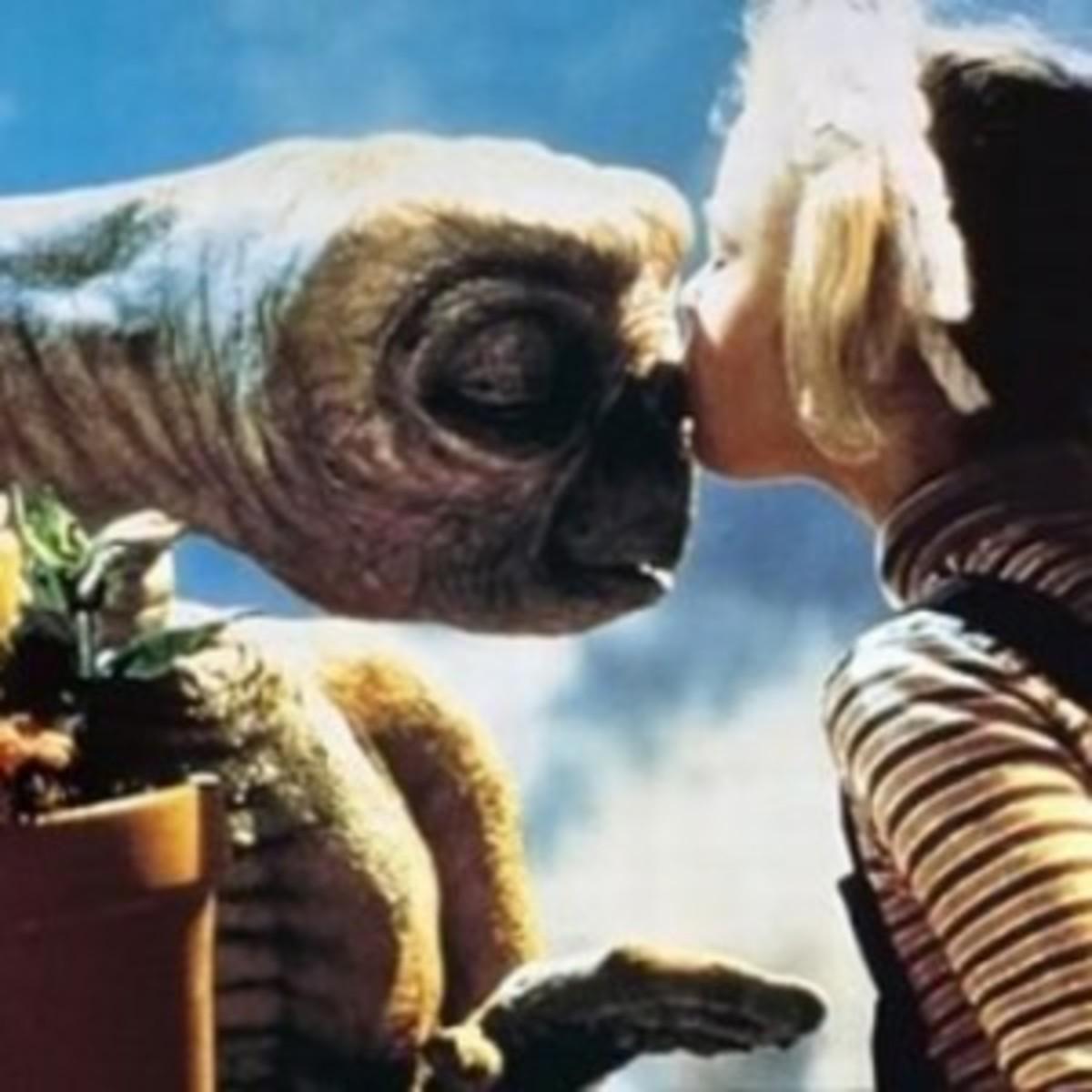 ET kisses Drew