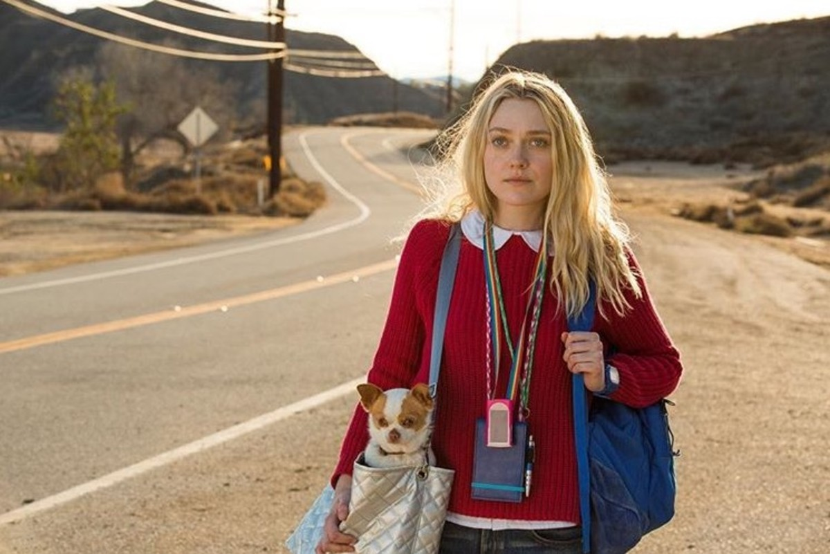 Dakota Fanning in Please Stand By