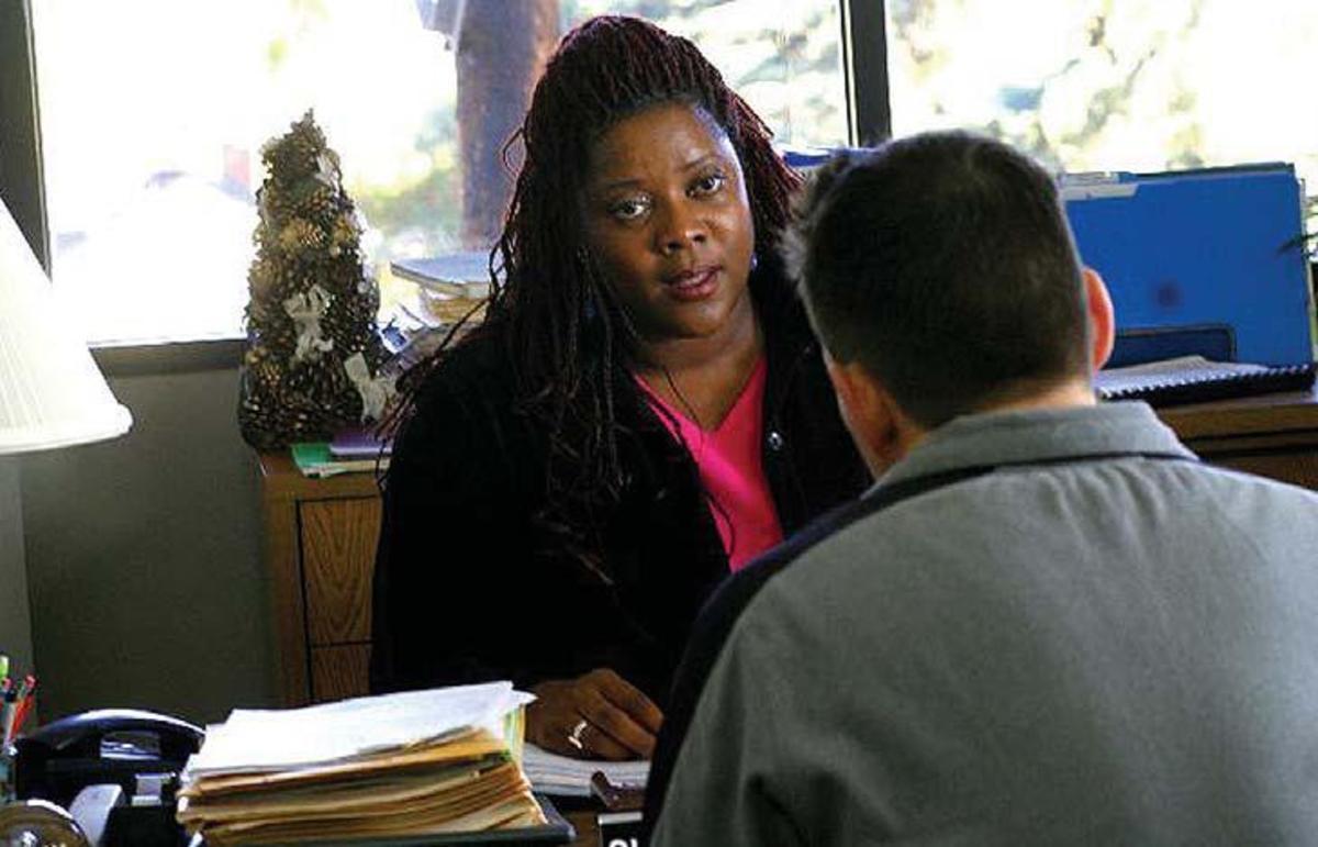 Shaniqua Johnson (Loretta Devine) encounters Sgt. Jack Ryan (Matt Dillon) in the HMO office. PHOTOS: Lorey Sebastian.