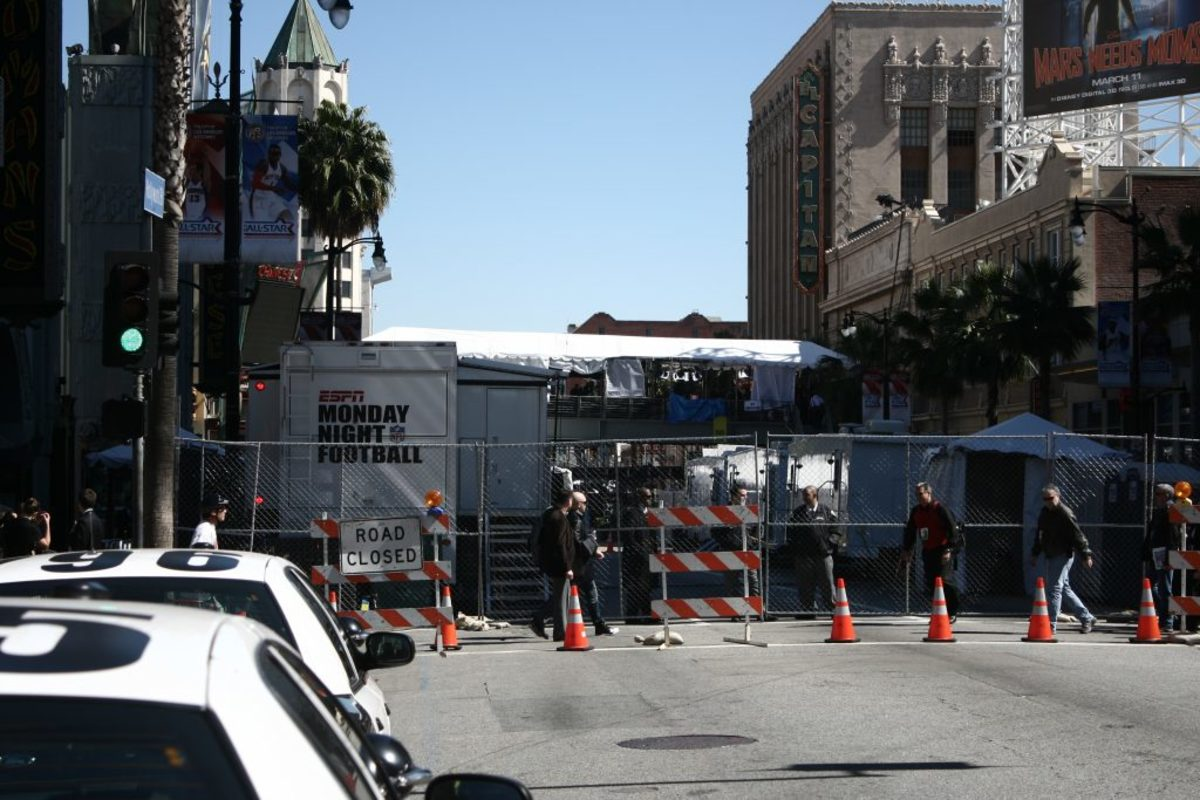Hollywood shuts down for the Academy Awards causing horrible traffic.