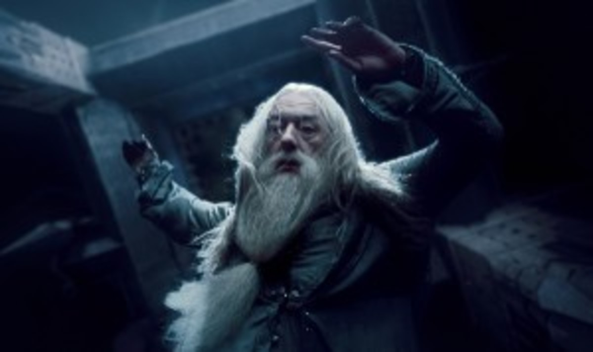 The headmaster gives his life, leaving Harry Potter with the responsibility of facing Lord Voldemort without him.
