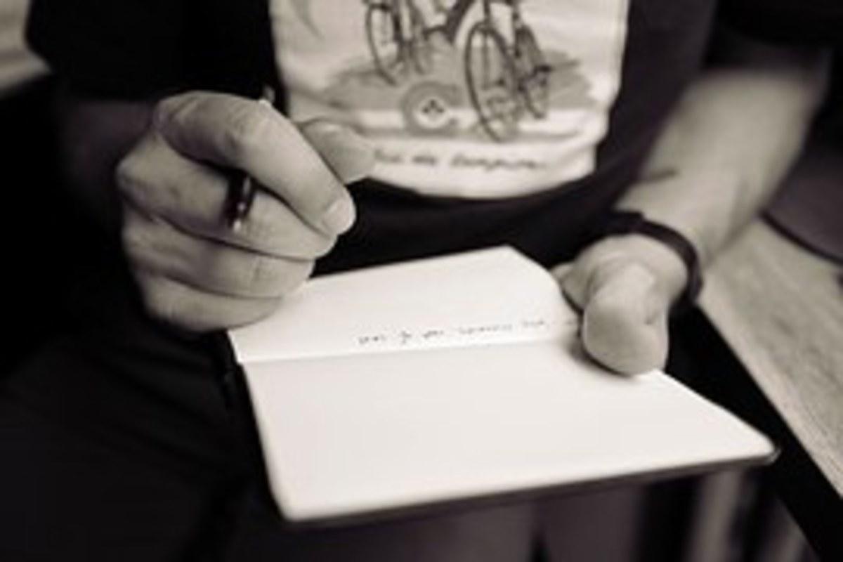 Sitcom Success: What Kind of TV Pilot Should You Write?