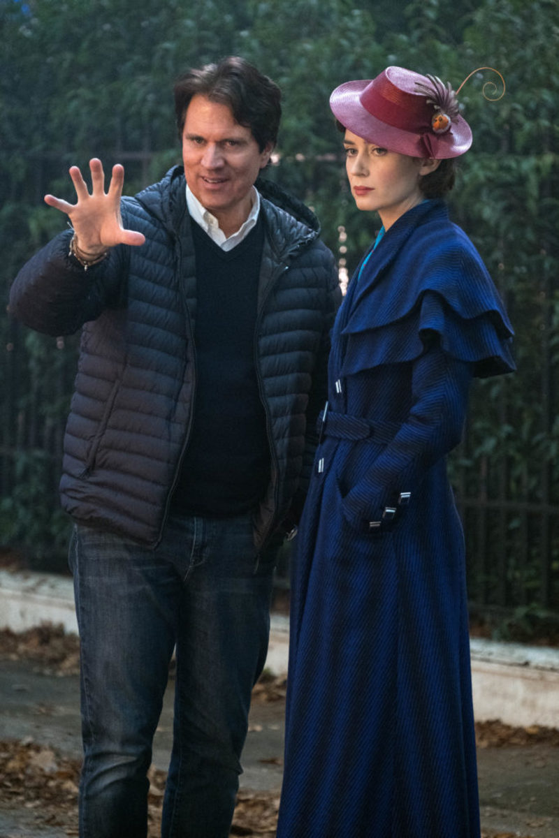 Rob Marshall and Emily Blunt on the set of Disney's MARY POPPINS RETURNS.