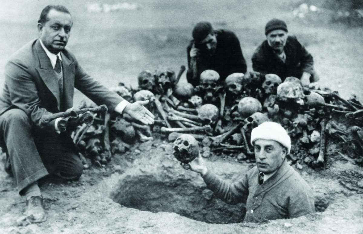 Archaeologists excavate Armenian dead from mass graves. Photo courtesy of Armenian Genocide Museum Institute