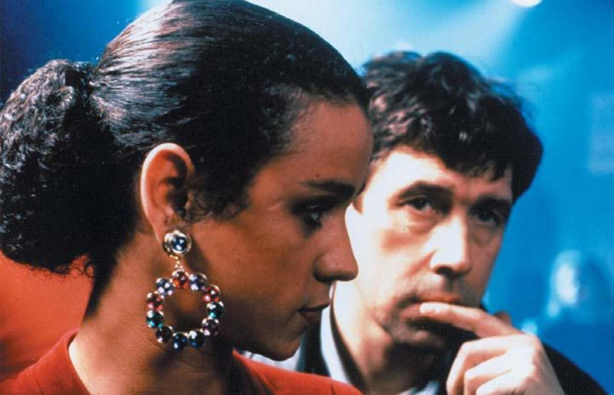 Jaye Davidson and Stephen Rea in The Crying Game, written by Neil Jordan