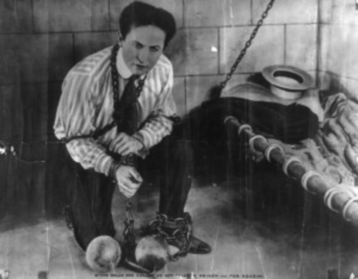 Harry_Houdini