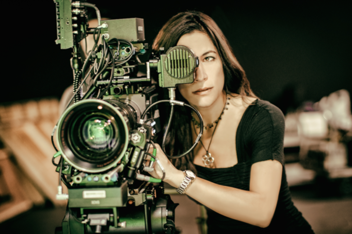 Director Vanessa Parise on directing for TV and film and what it takes to make it. Parise discusses her journey from Harvard to Second City to helming shows for Amazon, Netflix, and Lifetime.