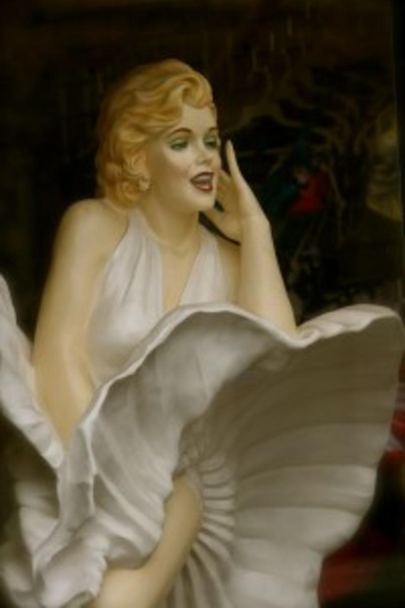 ScriptMag Col 10 - Marilyn