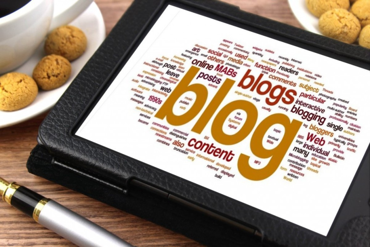 BEHIND THE LINES WITH DR: What's Blogworthy? by Doug Richardson | Script Magazine #scriptchat #screenwriting
