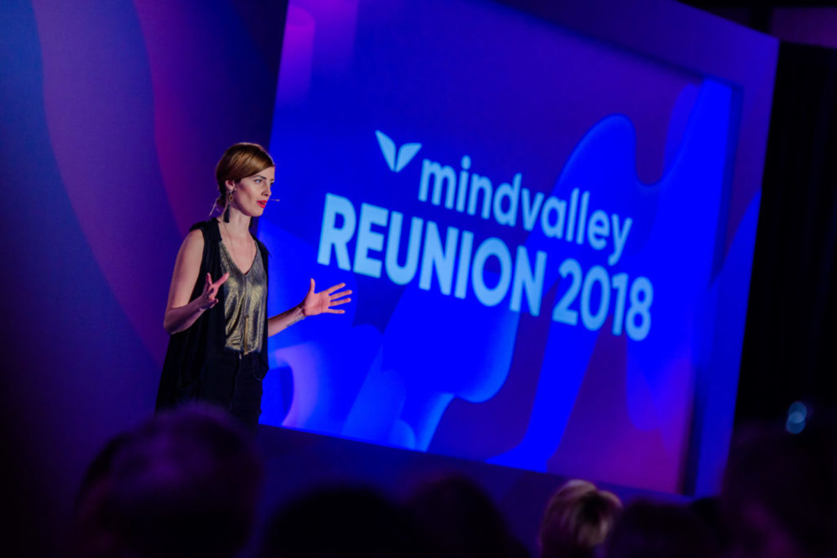 Jen Grisanti shares the storytelling and character development lessons learned from attending Mindvalley Reunion. Meditation and exploration of wound can help you create more compelling characters and story.
