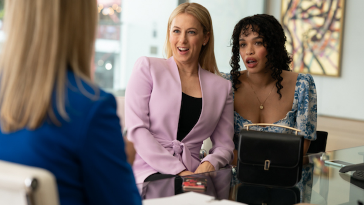 Cleopatra Coleman (Sara) and Iliza Shlesinger (Kelly), Courtest of Lionsgate Movies
