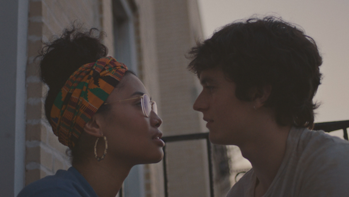 (L-R) Leyna Bloom as Wye and Fionn Whitehead as Paul in the drama PORT AUTHORITY, a Momentum Pictures release. Photo courtesy of Momentum Pictures.
